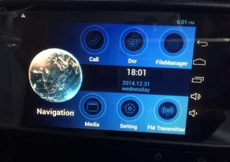 مرايا مع نظام اندرويد 5.5 بوصة مع ملاحة و كاميرا امامية مدمجة للتسجيل والمراقبة و شاشة لمس